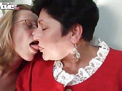 Leuke films geile oma lesbiennes